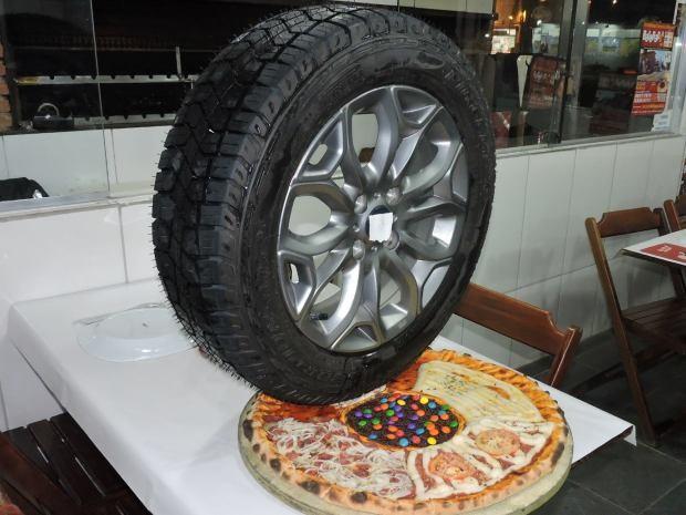 A apetitosa pizza de pneu